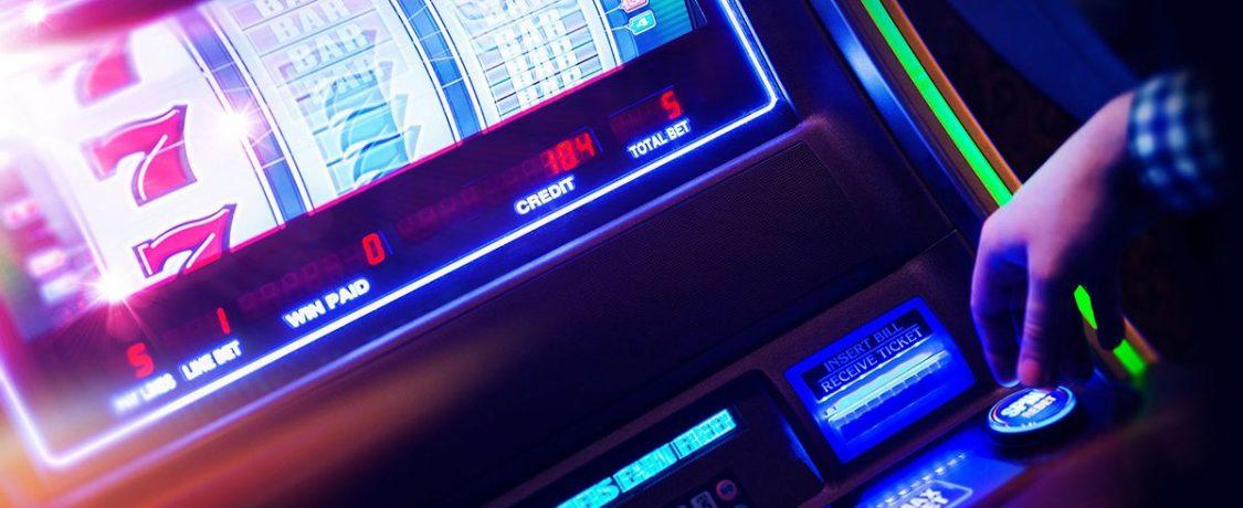 Cara Tepat Meneliti Kartu Musuh di Game Poker Online